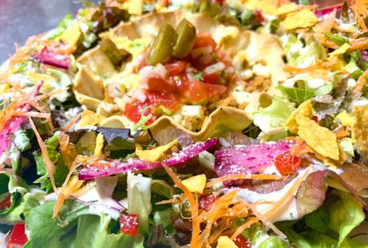 原宿ブラウンホースのタコスサラダ